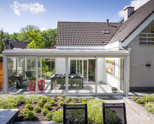 Een grote luxe daglicht serre in Tilburg